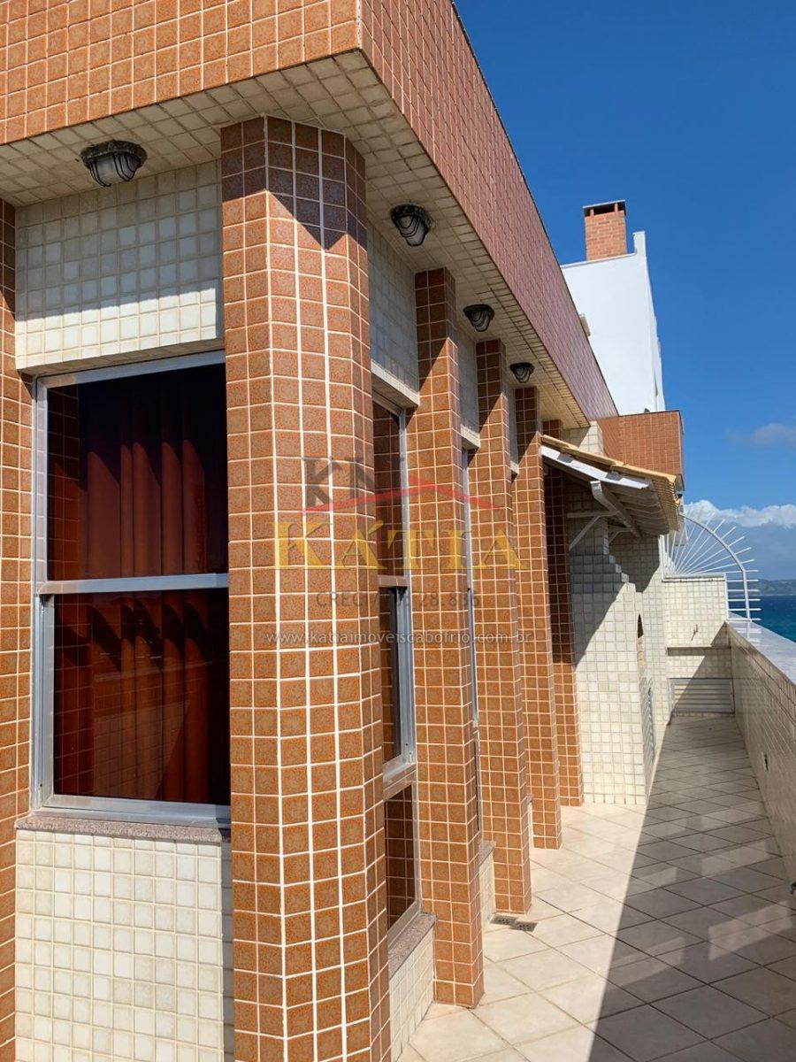 Alugo Temporada Apartamento em Prédio na Rua da Praia do Forte em Cabo Frio