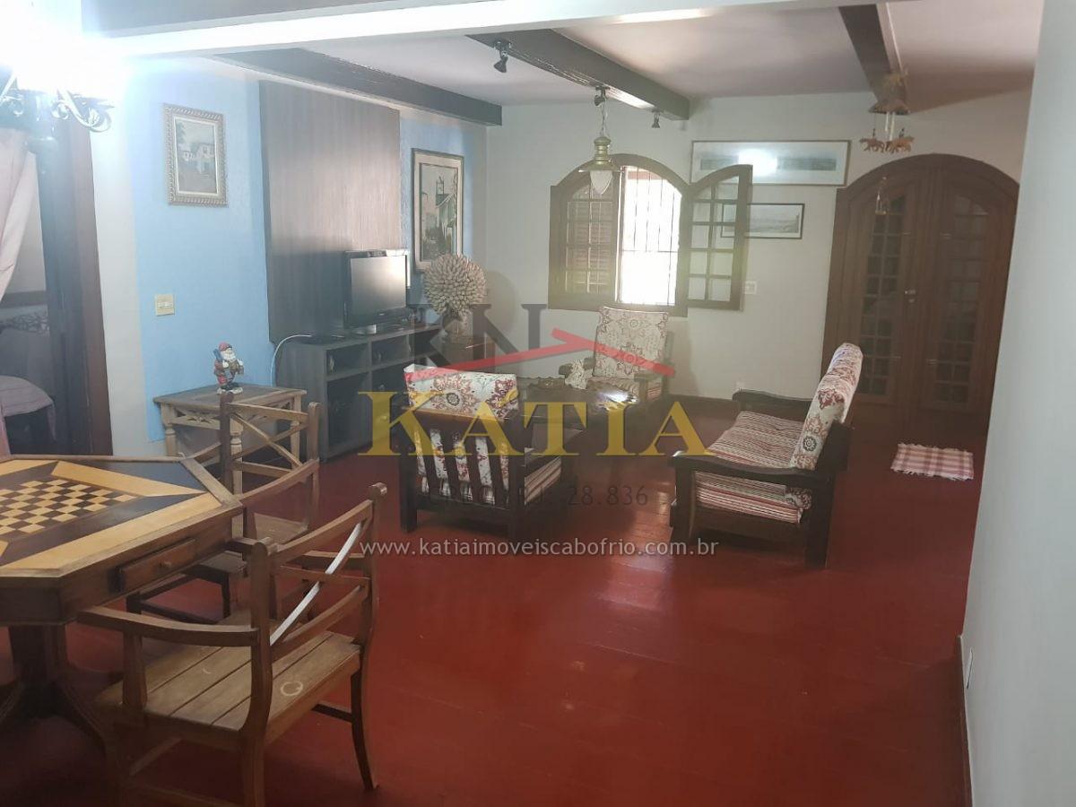 Vendo Casa Independente Linear no Bairro Ogiva em Cabo Frio-RJ.