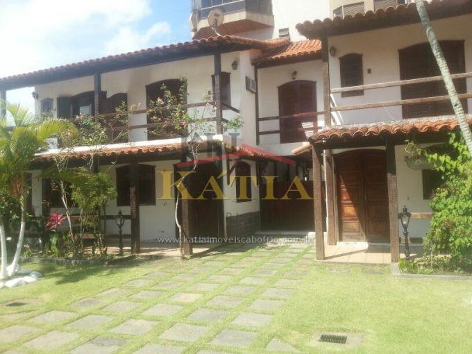 Vendo Casa Duplex em Condomínio no Bairro: Braga- Cabo Frio -RJ.