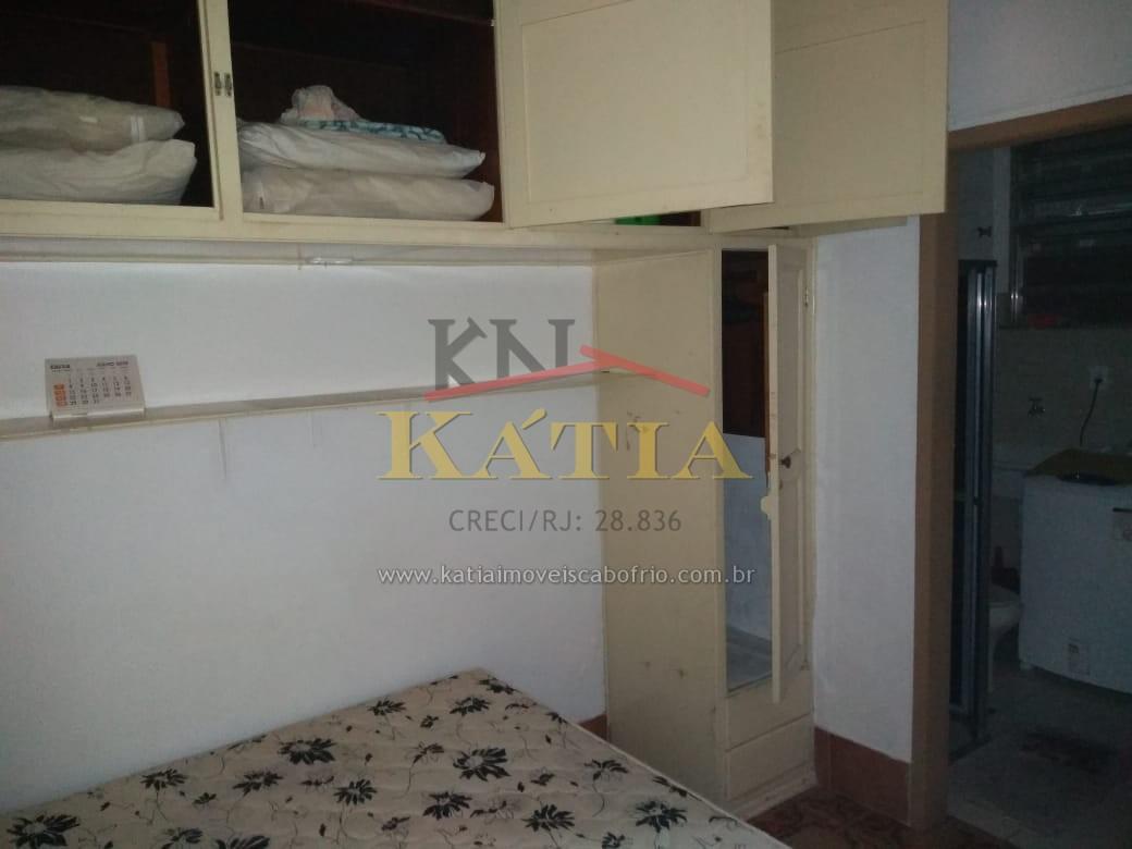 Alugo Apartamento Tipo Kit net uma quadra e meia da Praia do Forte em Cabo Frio/ RJ.