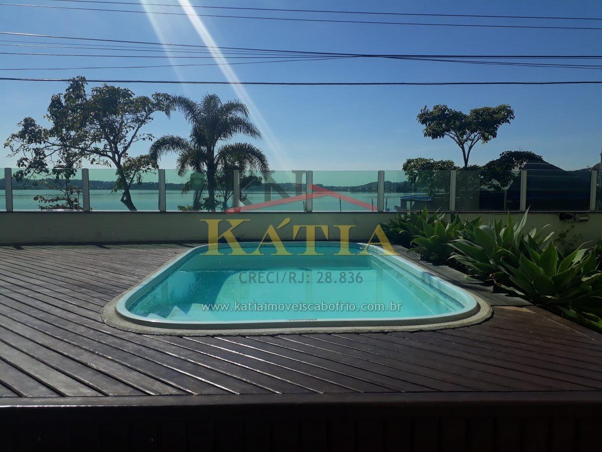 Vendo casa em Condomínio no Bairro Palmeiras